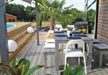 Location vacances Chenaud - Holiday Home Le Bois de L'Etang - 05-4