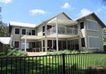 Location vacances Cams Wharf - Pelican Escape Executive Home at Raffertys Resort-3
