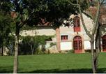 Location vacances Saint-Plaisir - Holiday Home Autour Du Cour D Honneur Du Chateau Neureux Lurcy Levis-2