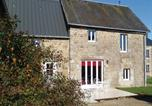 Location vacances Vire - Holiday Home Champ du Boult with Fireplace Vii-1
