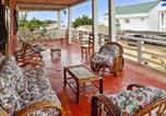 Location vacances  Madagascar - Apartment Maroala - Amborovy-1