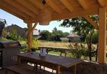 Location vacances Saint-Romain-de-Jalionas - Gite pour 4 à Saint Hilaire de brens-2