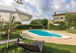 Location vacances Bale - Two-Bedroom Apartment in Bale-1