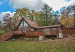 Location vacances Bridgeport - Cabin at Slope's Edge Two-Bedroom Holiday Home-1