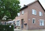 Location vacances Susteren - Three-Bedroom Holiday home Roosteren 0 02-1