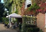 Location vacances Staines - Harmondsworth Hall Guest House-1