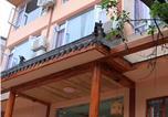 Location vacances Leshan - Emeishan Caogen Renjia Guest House-1