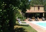 Location vacances San Casciano dei Bagni - Three-Bedroom Holiday Home in Radicofani I-1