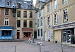 Location vacances Bayeux - Reine Mathilde-1