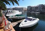 Location vacances Empuriabrava - Three-Bedroom Holiday Home Empuriabrava Girona 2-3