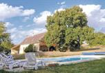 Location vacances Conflans-sur-Anille - Holiday Home Vibraye with Fireplace I-1