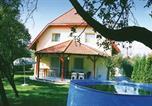 Location vacances Velence - Holiday home Xiii. Utca-Gárdony-1