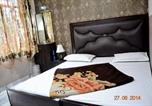 Location vacances Vrindavan - Lucky Restaurant & Guest House-4