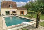 Location vacances Jayac - Four-Bedroom Holiday Home in St Amand de Coly-1
