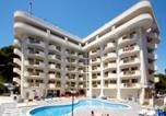 Location vacances Bellvei - Residence Salou Suites