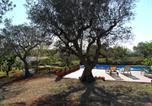 Location vacances Alberobello - La Casa Dei Due Pini-2