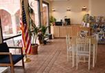 Hôtel Siren - Budget Host Inn & Suites North Branch-3