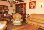 Location vacances Connaux - Three-Bedroom Holiday Home in Laudun-2