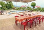 Location vacances Moclinejo - Four-Bedroom Holiday Home in Macharaviaya-3