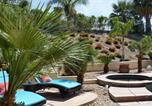 Location vacances Twentynine Palms - Gorgeous 2 Bedroom Home with Salt Water Pool/Spa-3