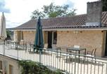 Location vacances Nantheuil - Holiday Home St Pierre de Cole I-2