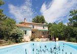 Location vacances Saint-Pierre-de-Vassols - Holiday Home Crillon le Brave with a Fireplace 01-1