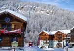 Location vacances Aiguilles - Résidence Le Clot La Chalp