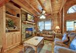 Location vacances Townsend - Scenic Solitude- Four-Bedroom Cabin-1