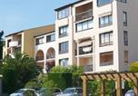 Location vacances Six-Fours-les-Plages - Jardin D'Azur Six Fours La Coudouliere-1