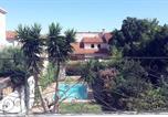 Location vacances Saint-Estève - Maison avec piscine et jardin commun-2