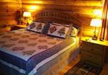 Location vacances Frankfort - Walhalla Log Cabin-3