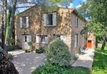 Location vacances Collobrières - Villa in Gonfaron-1