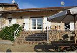 Location vacances Teyjat - Holiday Home Les Quatres Roussines-2