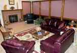 Location vacances Ruidoso Downs - Christi and Don's Nuthouse Five-bedroom Holiday Home-1