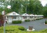 Location vacances Diamond Point - Seven Dwarfs Motel & Cabins-2