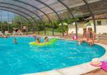Camping avec Piscine couverte / chauffée Boofzheim - Camping Sites et Paysages Au Clos De La Chaume-2