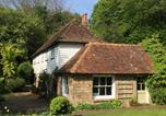 Location vacances Herstmonceux - Idyllic 18th Century Period Cottage with Stream-4