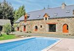 Location vacances Plouagat - Holiday home Plouvara with Outdoor Swimming Pool 353-1