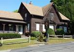 Location vacances Burlington - 1860 House Inn and Rental Home-3