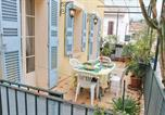 Location vacances Plage de L'Almanarre - Holiday home Rue de la Tour-1