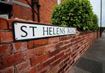 Location vacances Bramley - St Helen's House Suite 1-2