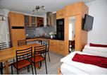 Hôtel Muttenz - Niros Bed & Breakfast-3