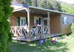 Camping La chaîne des Puys  - Camping Les Fougères - Le Domaine du Marais-2