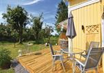 Location vacances Lidköping - Four-Bedroom Holiday Home in Kvanum-2