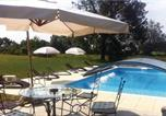 Location vacances Bardou - Holiday Home Naussannes 01-2