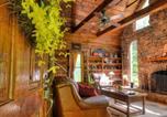 Location vacances Maggie Valley - Cherokee Creekside Cabin-4