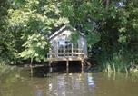 Location vacances Bourg-Fidèle - La cabane sur l'eau-1