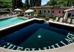 Hôtel Valtopina - Appartamenti Borgo Santa Lucia-1