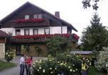 Location vacances Todtmoos - Ferienwohnungen Tröndle im Rosendorf-3
